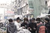 忙着小贩与香港市区的客户 — 图库照片