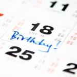 cumpleaños en calendario — Foto de Stock