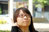 Asiatische frau mit einer idee — Stockfoto