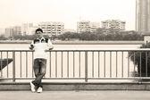 Chinese man die op straat — Stockfoto