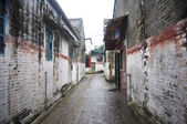Alley in chinese dorp — Stockfoto