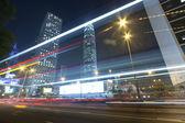 Hong kong'da gece trafik — Stok fotoğraf