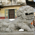 Chinese lion statue — Stock Photo #9397462