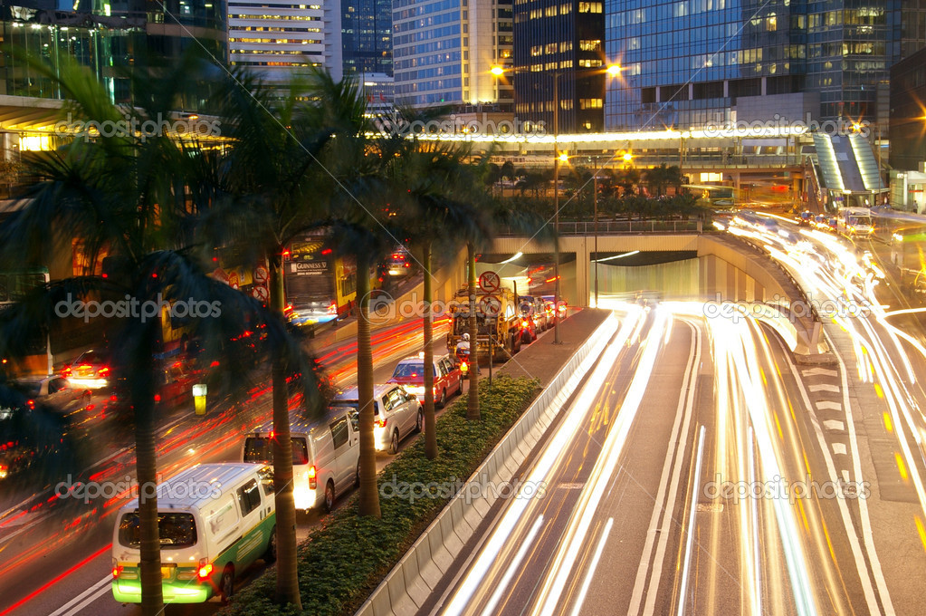 Traffic in Hong Kong at night — Stock Photo #9398493