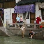 Chinese fisherman in Shanghai, China — Stock Photo