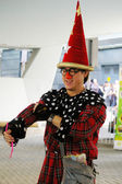 Street performer playing magic in Hong Kong — Stock Photo
