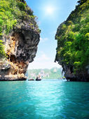 Rocks and sea in Krabi Thailand — Stock Photo