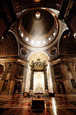 Inside the St. Peter Basilica, Vatican — Stockfoto