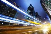 Trafik i hong kong på natten — Stockfoto