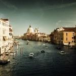 京杭运河和圣玛丽亚大教堂圣母敬礼,威尼斯,意大利 — 图库照片