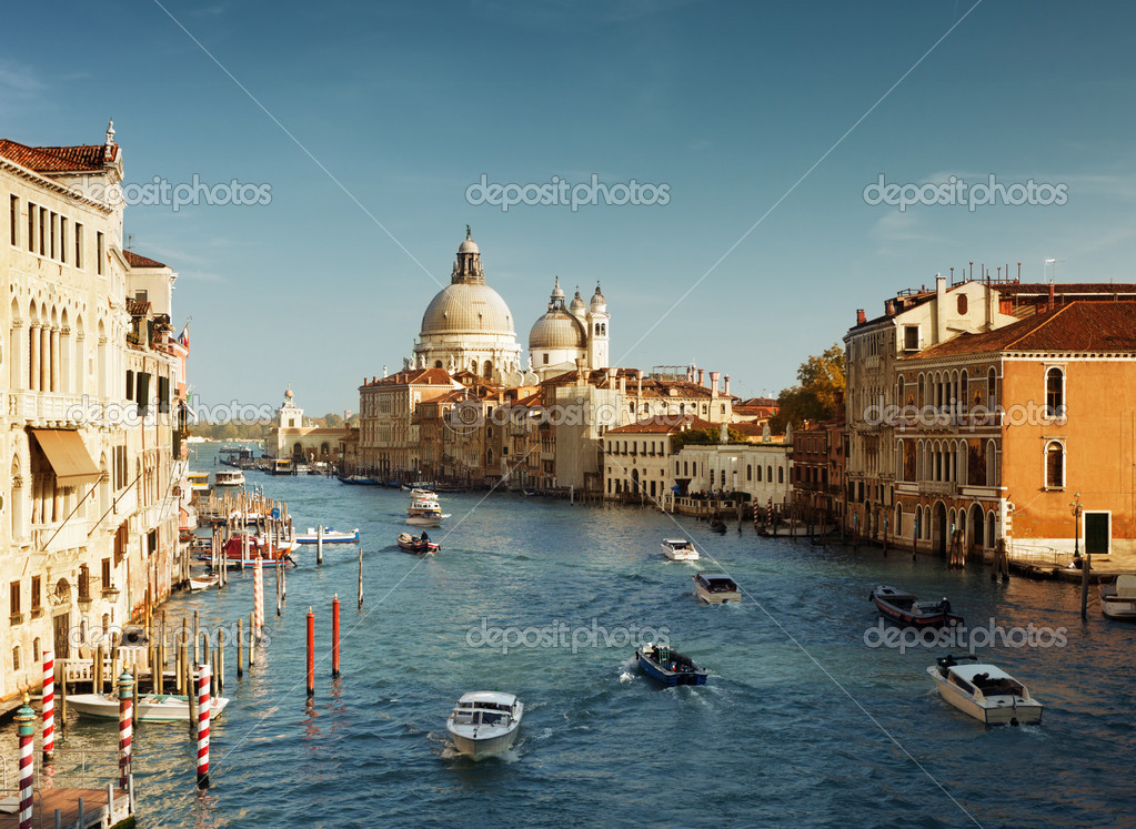 Grand Canal and Basilica Santa Maria della Salute, Venice, Italy — Stock Photo #10482683