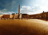Saint Peter's Square, Vatican in sunset time — Stock Photo