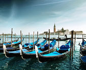 Gondolas on Grand Canal and San Giorgio Maggiore church in Venic — Stock Photo