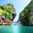Rocks and sea in Krabi Thsiland — Stock Photo