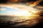 Zonsopgang en atlantische oceaan — Stockfoto
