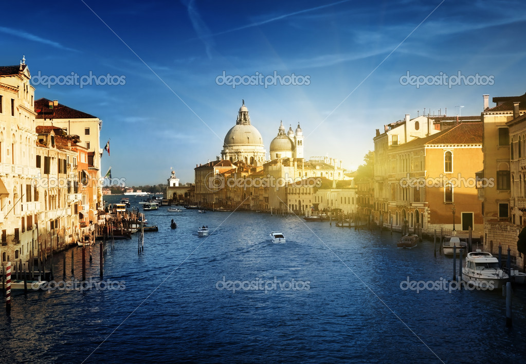 Grand Canal and Basilica Santa Maria della Salute, Venice, Italy — Stock Photo #9967039