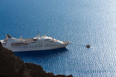 Luxury white cruise ship — Stock Photo