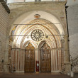 Portal lower basilica of St. Francis — Stock Photo #10662114