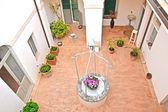 Courtyard of an Italian residence — Stock Photo