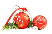 クリスマス ボールと松の枝. — ストック写真
