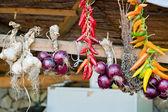 Aglio, cipolle e peperoni colorato — Foto Stock