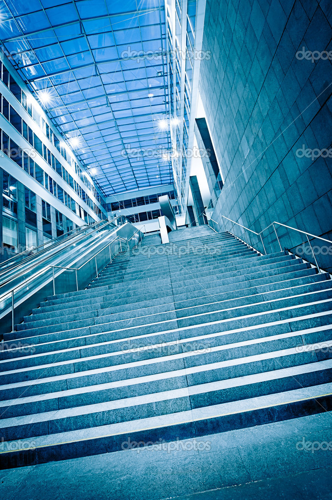 Steps in a modern Building with glass dome — Stock Photo #8917033
