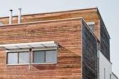 Nowoczesny dom drewniany — Zdjęcie stockowe