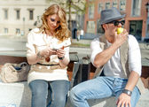 City Scene with Couple — Stockfoto