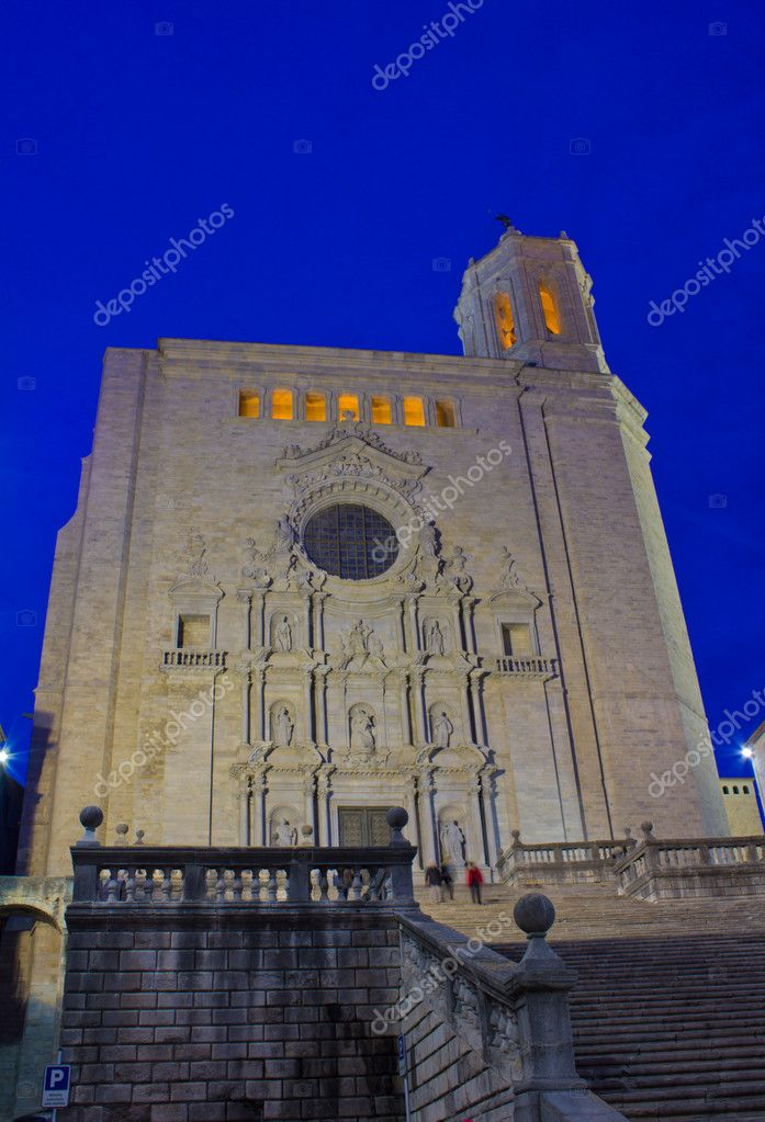 Cathedral de Santa Maria at night, Girona, Spain   Stock Photo #9201454