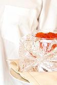 Cubo di ghiaccio di illuminazione di presentazione con caviale — Foto Stock