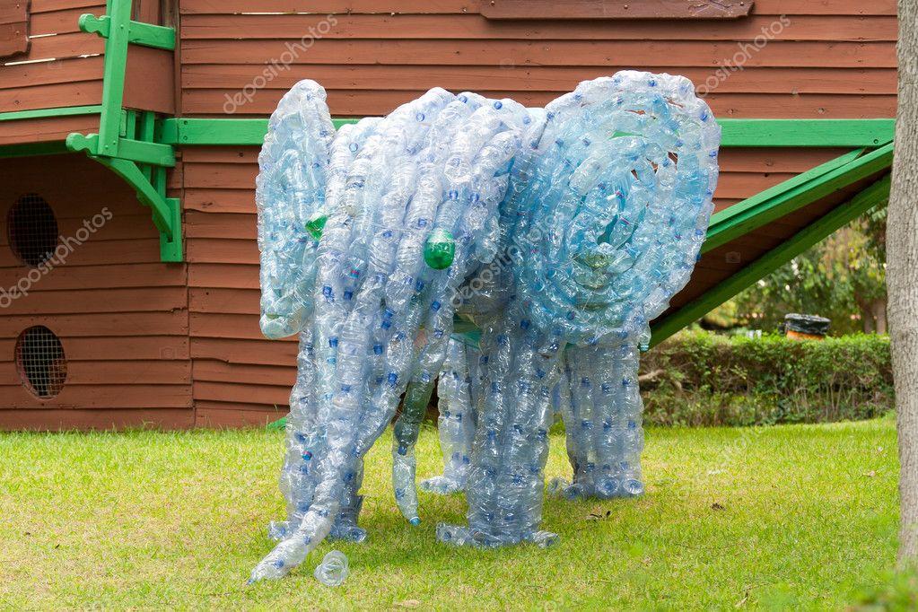 Слонёнок из пластиковых бутылок
