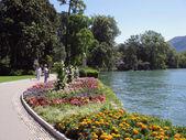 Exotischen park von lugano und lago di lugano, schweiz. — Stockfoto