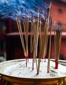 Yanan tütsü çubukları — Stok fotoğraf