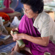 CHIANG MAI, THAILAND - FEBRUARY 5: Woman making a wooden umbrell — Stock Photo
