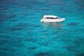 Rejsy w morze koralowe — Zdjęcie stockowe