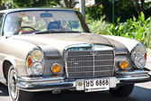 Mercedes-Benz SE Coupe on Vintage Car Parade — Stock Photo