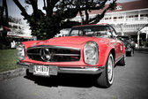 Mercedes Benz SL Pagode on Vintage Car Parade — Foto de Stock