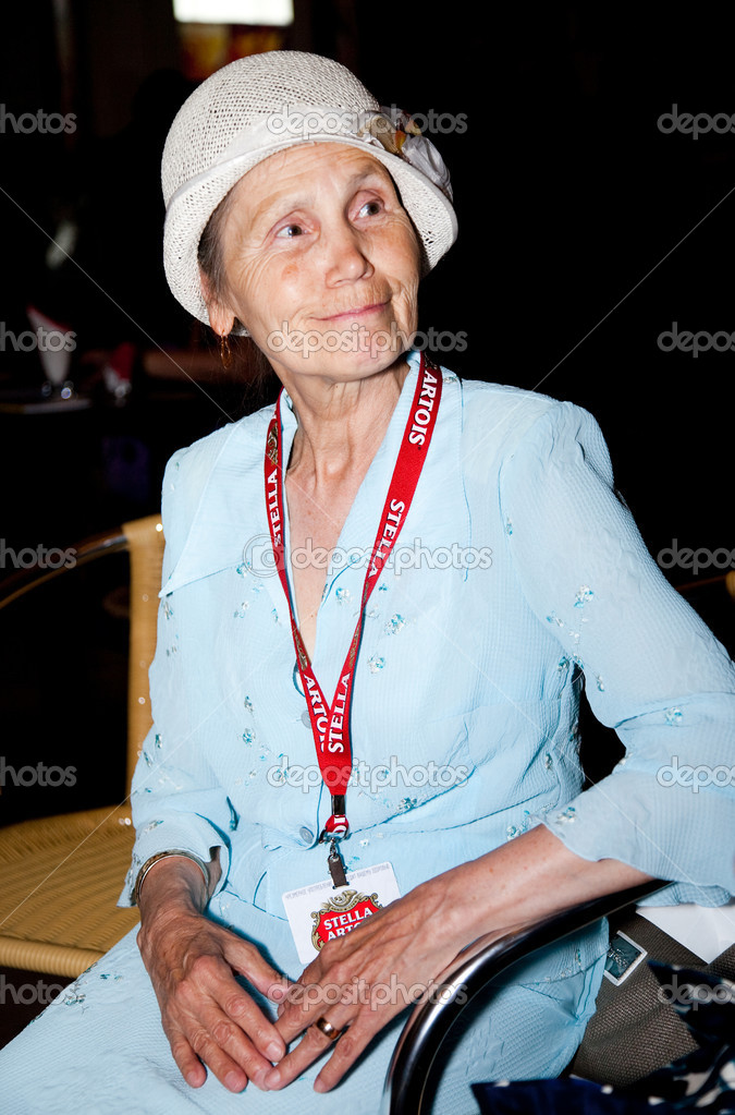MOSCOW - JUNE,18: Russian Actress Firdaus Akhtyamova . Press Conference. 32st Moscow International Film Festival at Khudozhestvenny Cinema. June 18, 2010 in Moscow, Russia. — Stock Photo #9314517