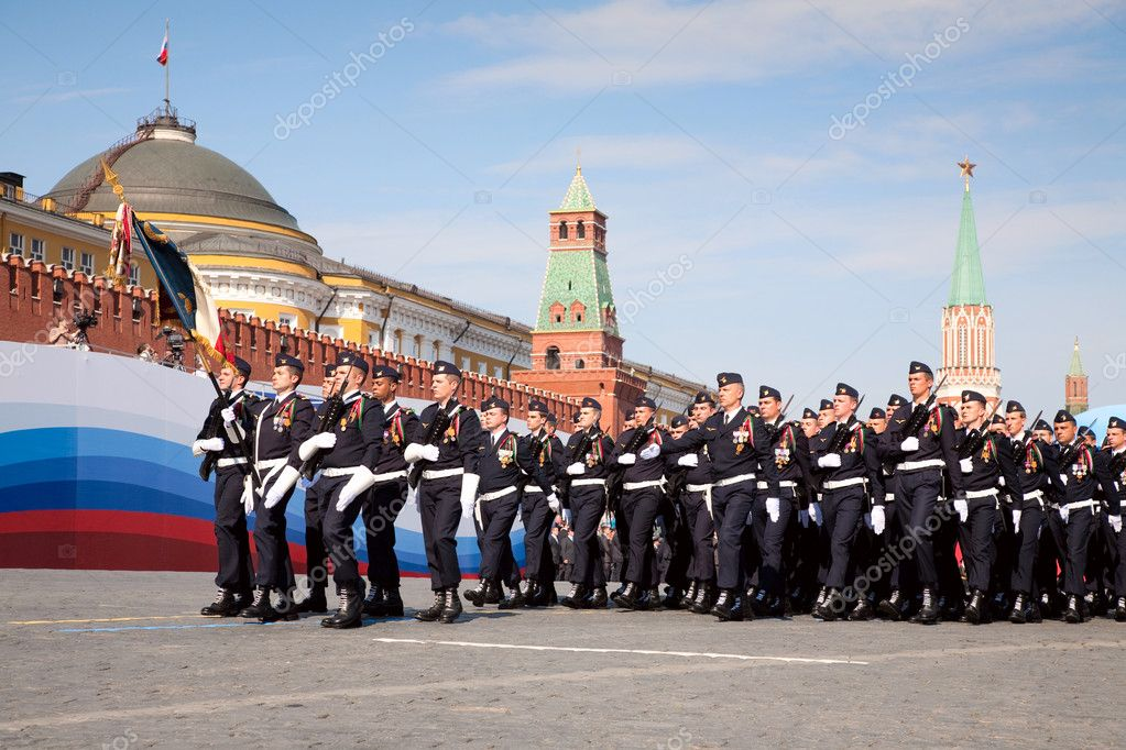 MOSCOW - MAY 9: France troops. Military Parade on 65th anniversary of Victory in Great Patriotic War on May 9, 2010 on Red Square in Moscow, Russia — Stock Photo #9315028