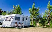 Karavany, camping — Stock fotografie