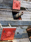 Cannon on the galleon — Stock Photo