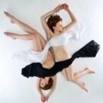 beauté femme nue yin yang position — Photo