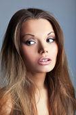 Retrato de mujer joven hermosa y sexy — Foto de Stock