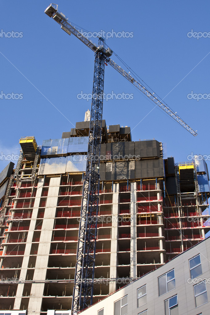 A tower block in mid construction — Stock Photo #9836919