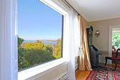Большой вид Такома с роскошная гостиная — Стоковое фото