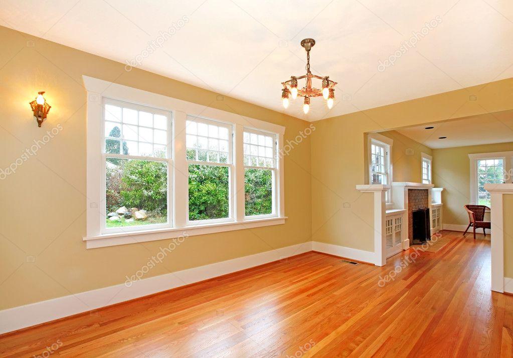 Sala vazia na antiga casa bonita — fotografias de stock ...