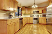 American wood warm yellow kitchen. — Stock Photo