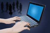 Hand pushing laptop keyboard. — 图库照片