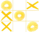 Tic-tac-toe from fruits — Stock Photo