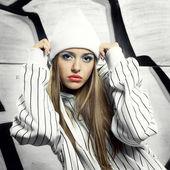 Fashion portrait of beautiful hip-hop woman — Stock Photo